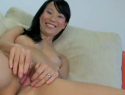 Niya Yu bares all and masturbates with fake penis