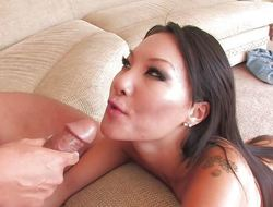 Super sexy Asa Akira fucking 10-Pounder on the couch