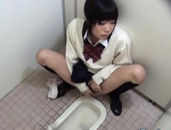 Pee asian rubbing vag