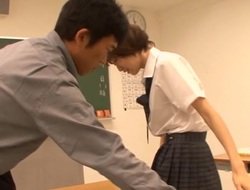 Japanese schoolgirl appreciates the large pecker this babe gets to fuck