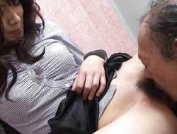 Oriental dilettante gets her pussy eaten