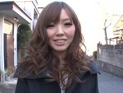 Gorgeous Japanese receives explicit billibongs mashing and toying