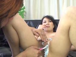 Oriental honey gets her pussy shaved in close up video